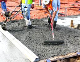 Вибраторы при укладке бетонной смеси